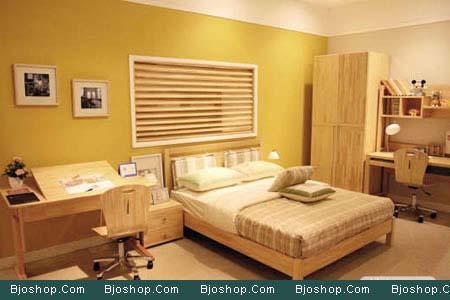 在成人的臥室里擺放北歐風格的松木家具